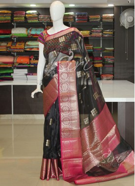 Beautiful Banarasi Organza Saree in Rich Pallu Blouse