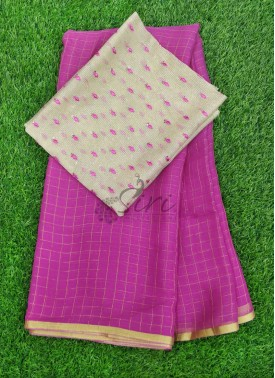 Beautiful Chiffon Saree in Zari Checks With Designer Blouse Fabric