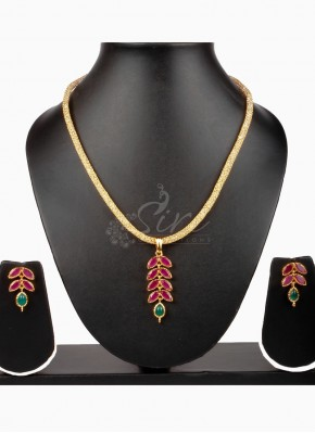Designer Ruby Pendant Set with Crystals filled Chain