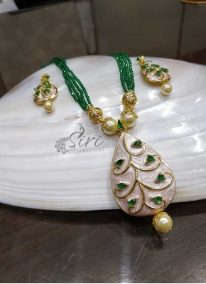 Green Beads Chain in Designer Pendant Set