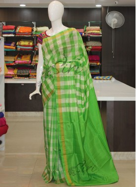 Green Offwhite Checkered Design Uppada Silk Saree
