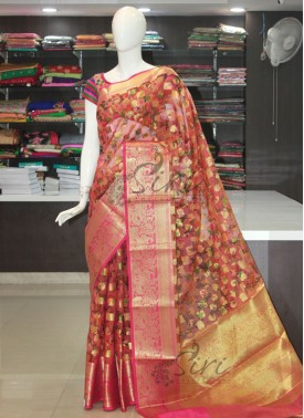 Lovely Digital Print Designer Kora Saree in Rich Pallu Borders