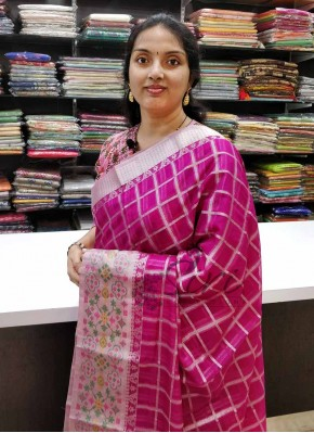 Lovely Magenta Kota Saree in Silver Zari