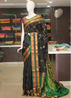 Pure Gadwal Silk Saree in Black and Green