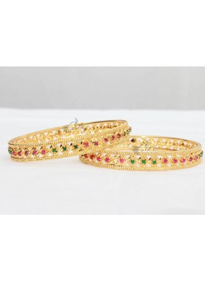 Simple Pair of Bangles in Gold Micro Polish