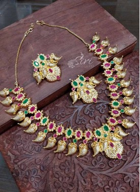 Traditional Micro Polish Gold Plated Ruby Emerald Stone Necklace Set