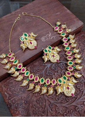 639e0dcbc Traditional Micro Polish Gold Plated Ruby Emerald Stone Necklace Set